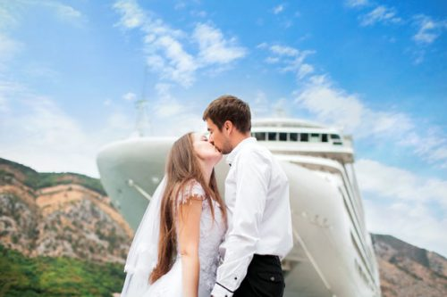 wedding cruise couple